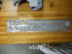 FORD 351W 5.8L EDELBROCK STREETMASTER ALUMINUM 4V INTAKE MANIFOLD WithGASKETS